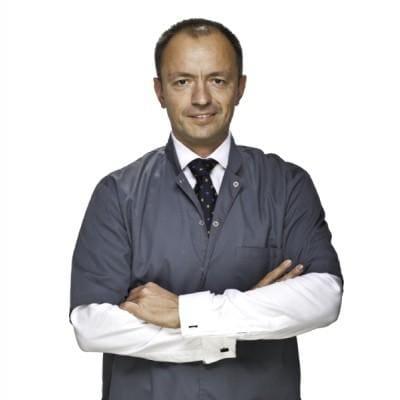 dr n. med. Mariusz Szyba chirurg stomatolog
